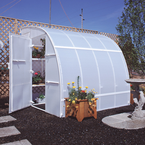 how to build a small greenhouse with pvc pipe